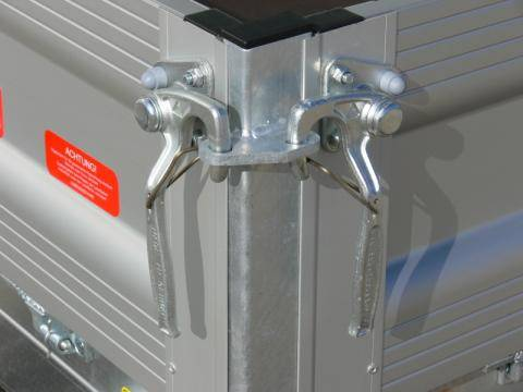 Surcharge for hook fasteners instead of recessed catches