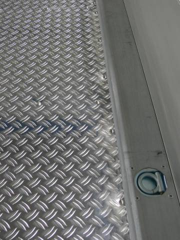 Floor additionally covered with corrugated aluminium sheet metal 4260 x 2040 mm
