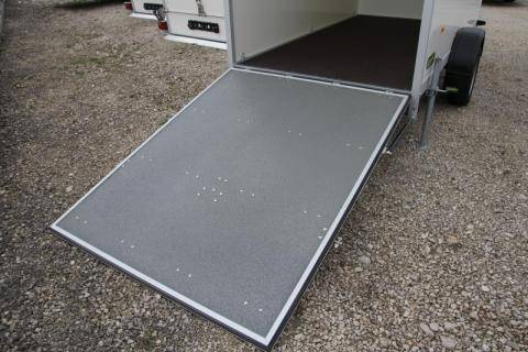 Access ramp with gas spring lift support size: 2550/3050 x 1420/1570 x 1940 mm instead of hinged doors,